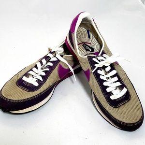 Nike  Waffle Sole Sneaker Shoe  size 9